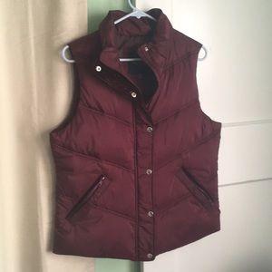 Maroon American Eagle puffy vest size medium